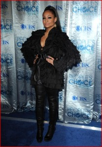 Raven showed off her new figure at The People's Choice Awards last week.