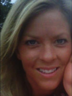 Photo of Melissa Nelson.